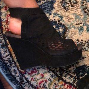 Vince camuto wedges peep toe sling back